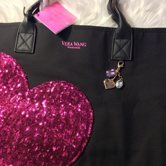 60b06a3f4274 Vera Wang Princess Glitter Heart Tote Shopper Bag.  M 5a9deeee3800c53d888d4ec8